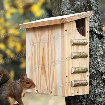 Ecureuil maison bois fsc maisons abris animaux for Maison pour herisson jardin