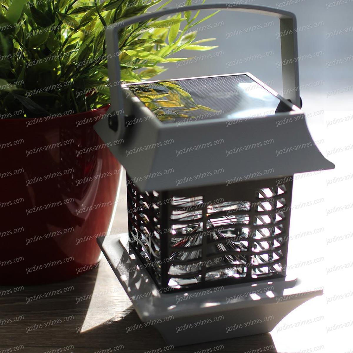 lampe anti moustique solaire grille lectrifi e eclairage et fontaine solaire. Black Bedroom Furniture Sets. Home Design Ideas