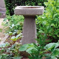 Bain d'oiseau carré sur pied en pierre reconstituée H.60cm