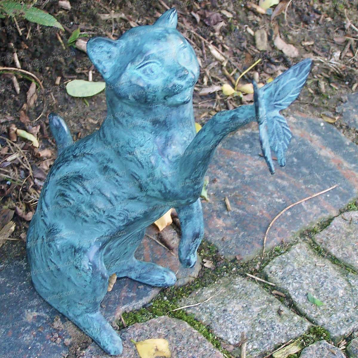 Chat avec papillon - sculpture déco en bronze - Sujet ...