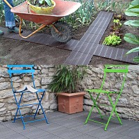 Dalle de jardin clipsable en plastique