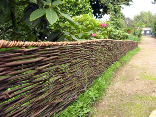 Bordure pliable rotin 180cm bordure de jardin for Bordure en bois de jardin