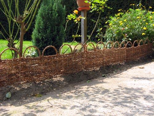 Bordure de jardin arche palme bordure de jardin - Bordure jardin tressee ...
