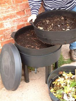 can o worms composter instructions