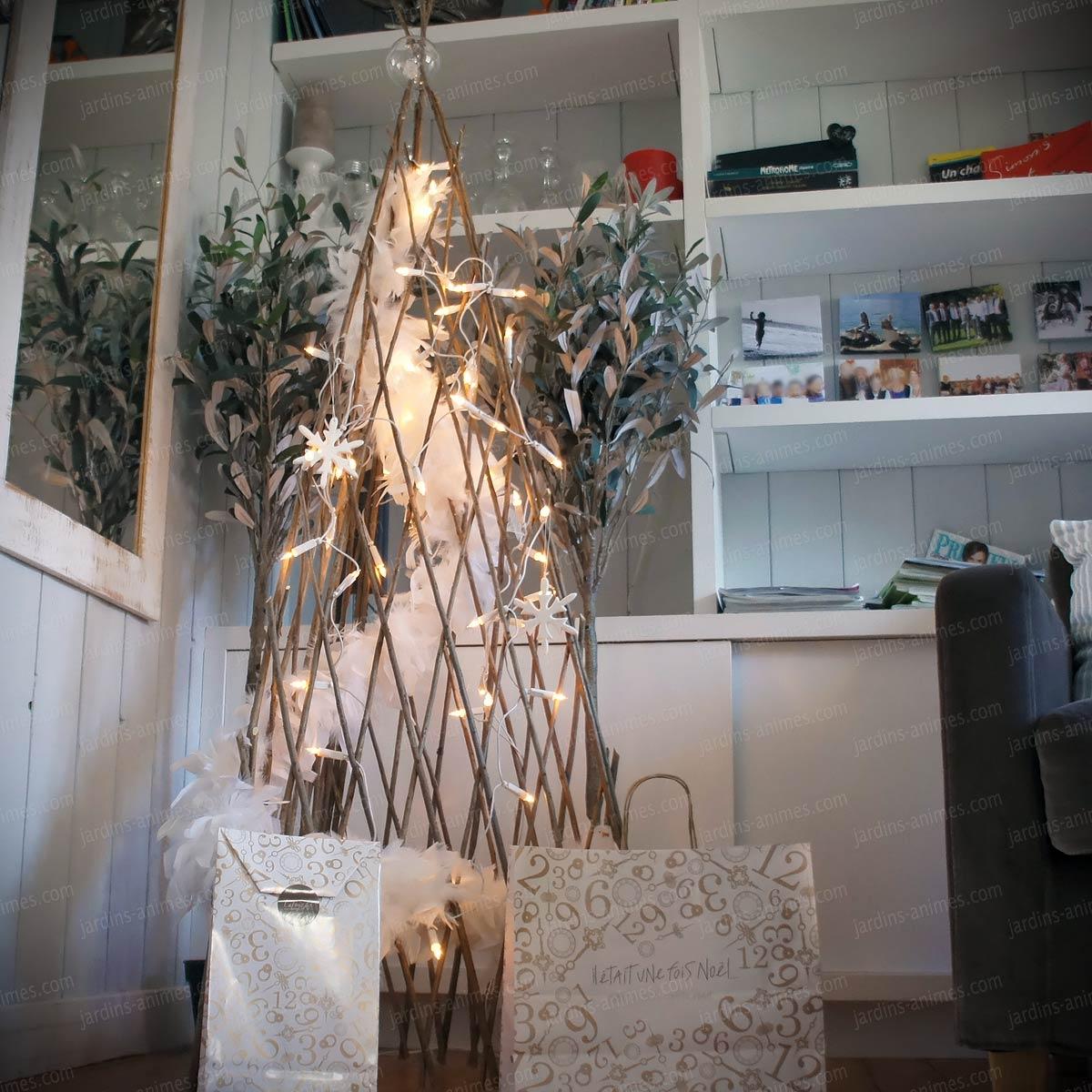 ... sapin de Noël naturel et original ?Il se plie et se déplie à