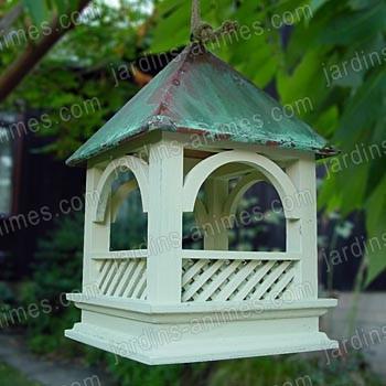 Mangeoire oiseaux bempton toit en cuivre mangeoires bains d 39 oiseaux for Comfabriquer cabane oiseau