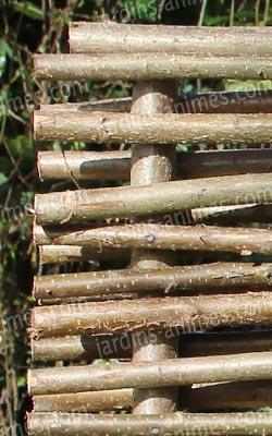 Barri re noisetier tressage horizontal cloture et for Palissade noisetier