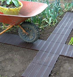 Dalle de jardin clipsable en plastique all e chemin for Allee de jardin potager
