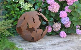 Décoration de jardin en métal rouillé | jardins-animes.com