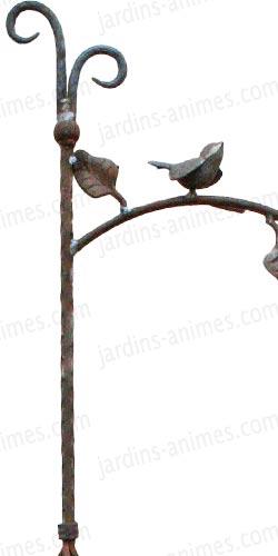 Support corbeille fleurie 180cm motif oiseau lot de 2 for Mangeoire sur pied pour oiseaux du jardin