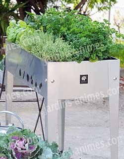 potager urbain sur pied en acier balconni re et potager. Black Bedroom Furniture Sets. Home Design Ideas