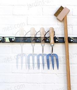 support mural outils 75cm 5 clips accessoires pour outils de jardin. Black Bedroom Furniture Sets. Home Design Ideas