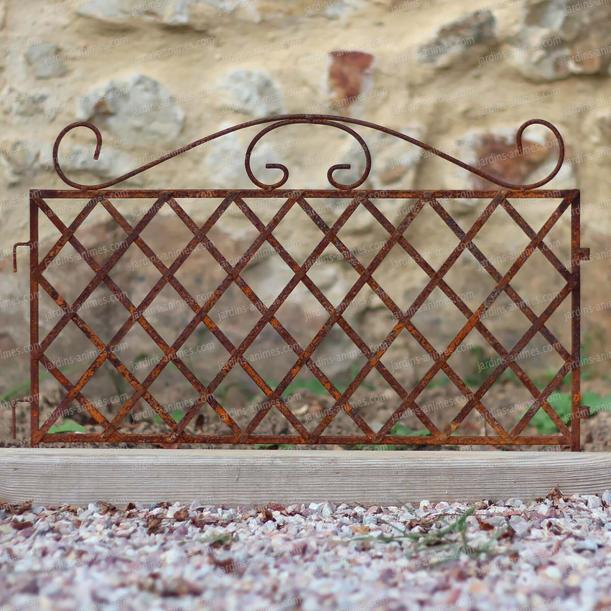 Bordure croisillon en fer brut bordure de jardin for Bordure metal pour jardin