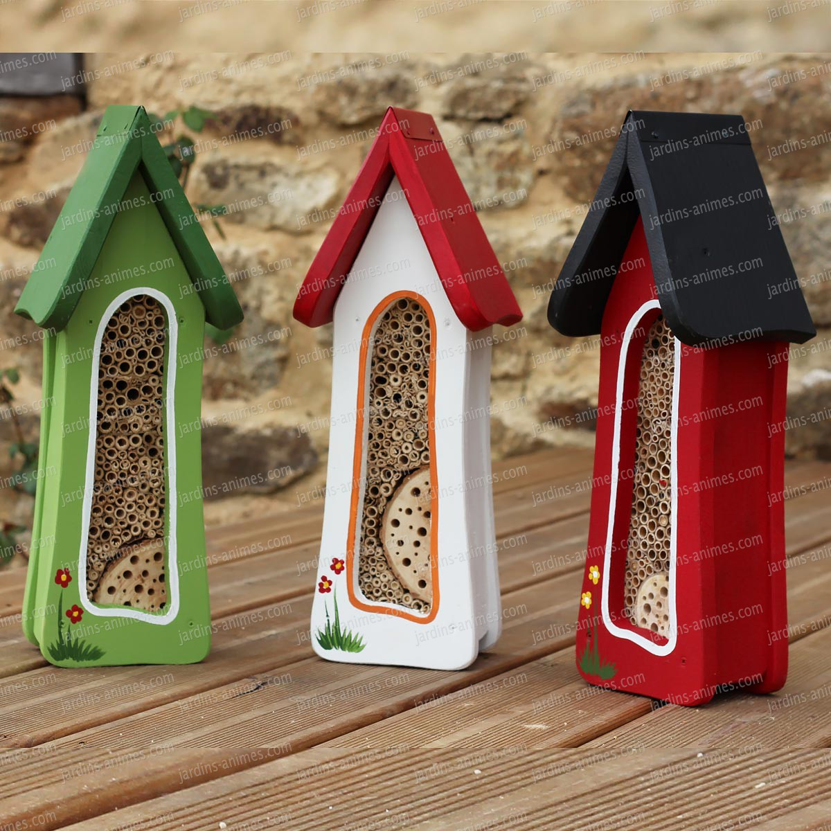 tour abri insectes couleur maisons abris animaux. Black Bedroom Furniture Sets. Home Design Ideas